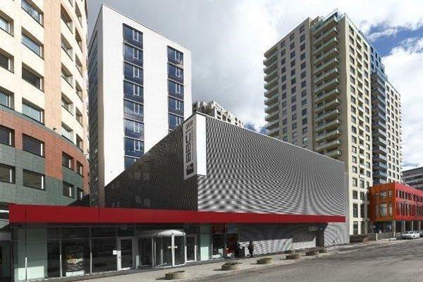 V rámci celkovej ponuky kancelárskych priestorov má 20 budov certifikát zelenej alebo trvalo udržateľnej budovy. Prvou v Bratislave bola BBC 1 Plus.