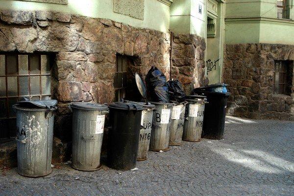 O návrhu VZN s nižšími cenami za odvoz smeti budú rokovať mestskí poslanci 8. decembra.