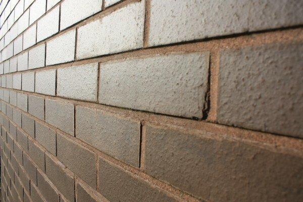 Stavebný materiál sa v januári predával v priemere o 1,2 percenta lacnejšie ako to bolo v tom istom mesiaci vlani.