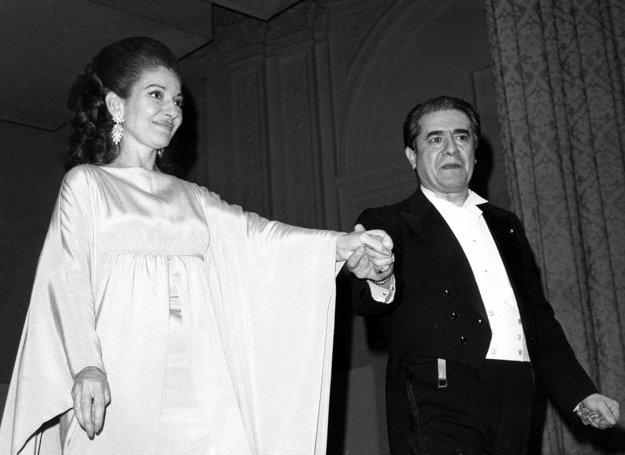 Po vystúpení v Carnegie Hall v New Yorku s tenorom Giuseppe di Stefanom.