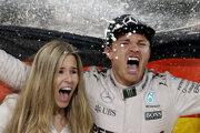 Nico Rosberg oslavuje titul majstra sveta.