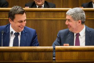 Predseda SNS Andrej Danko so šéfom strany Most-Híd Bélom Bugárom.