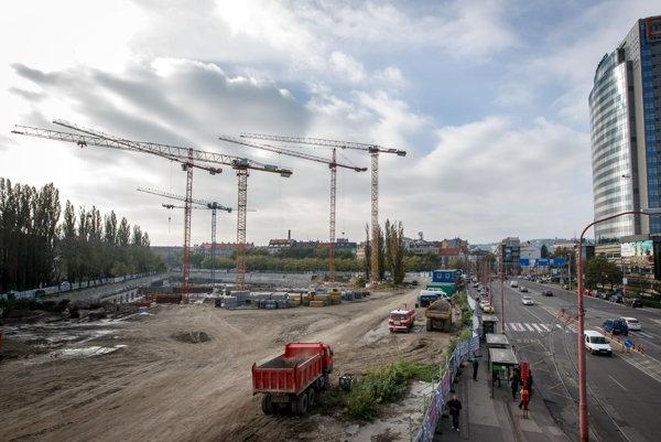 Výstavba v okolí Mlynských Nív v Bratislave.