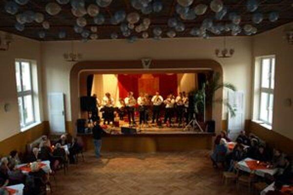 Vynovený kultúrny v Malej Čause dom otvorili po roku.