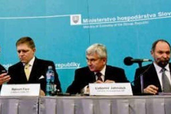Miroslav Rapšík (vpravo) ešte za prvej vlády Roberta Fica.