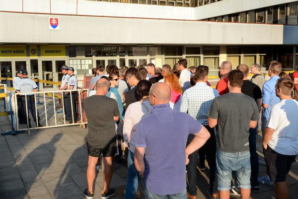 Regulovaný vstup. Mesto privíta Košičanov v pondelok na magistráte opäť bezpečnostnými opatreniami.