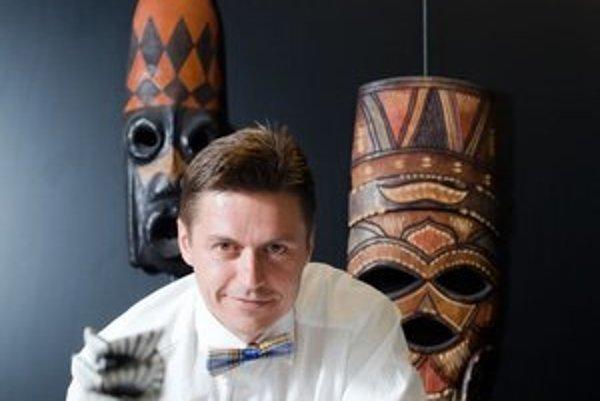 Ľuboš Fellner (1969)Podnikateľ a cestovateľ, zakladateľ a majoritný vlastník Bubo Travel Agency. V Bratislave vyštudoval medicínu, pracoval na Lekárskej fakulte UK, v Národnom ústave srdcových a cievnych chorôb. Od roku 1993 sa venuje podnikaniu. Dnes m