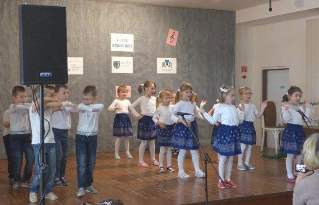 Deti z Materskej školy vo Valči.