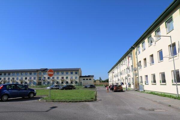 Nájomné domy na Ciglianskej ceste so 173 bytmi boli postavené a uvedené do prevádzky v roku 2006.