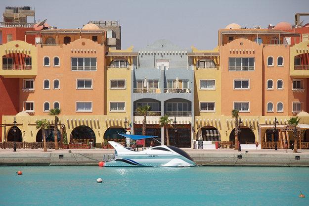 Mnohí turisti si v Hurghade vystačia s časťou Sigala, ktorej dominujú hotely a pobrežné strediská.