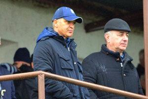 Futbalisti FC ViOn ukončili zlú sériu v závere jesene po tom, ako si Viliam Ondrejka (vpravo) tľapol s Jurajom Jarábkom.