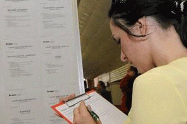 Zamestnanci úrade práce poskytnú absolventom informácie o situácii na trhu práce.