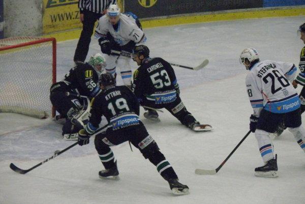 Z tejto situácie pred bránou Jána Chovana gól nepadol. Nitra však bola v regionálnom derby o gól lepšia.
