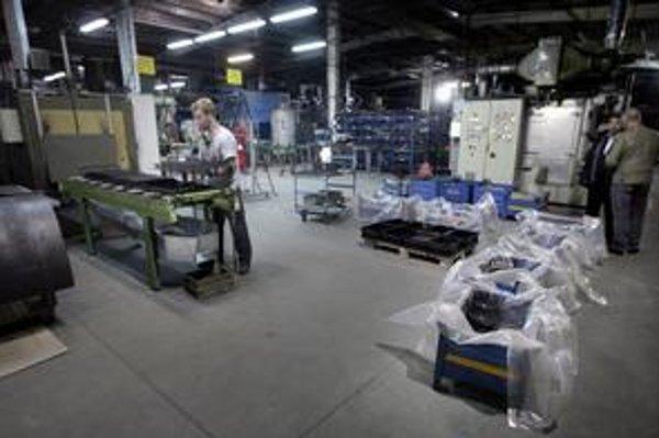 Novácky podnik vyrába aj súčiastky pre automobilky.