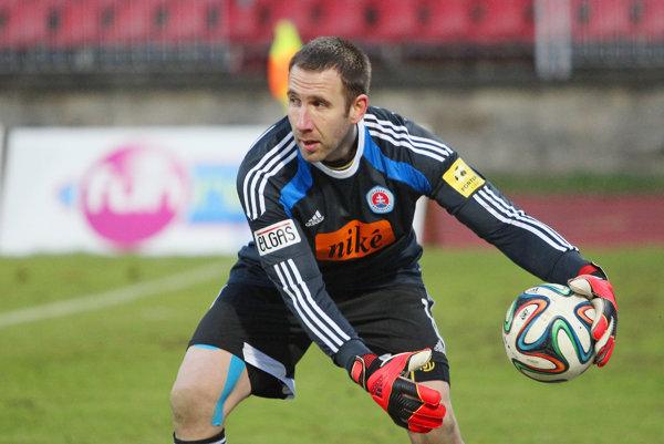 Dušan Perniš išiel do Grécka zo Slovana Bratislava.