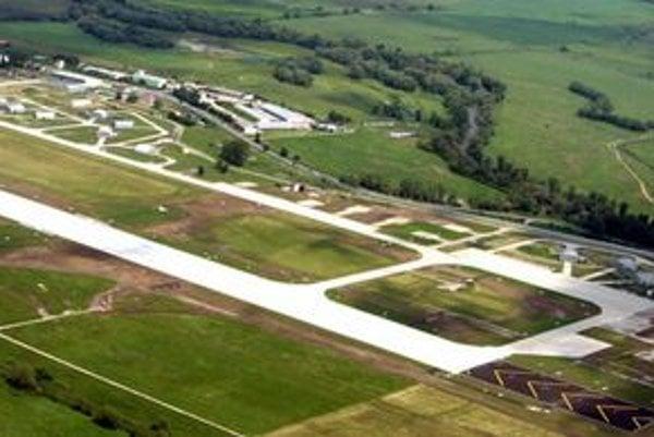Pohľad na letisko v Sliači.