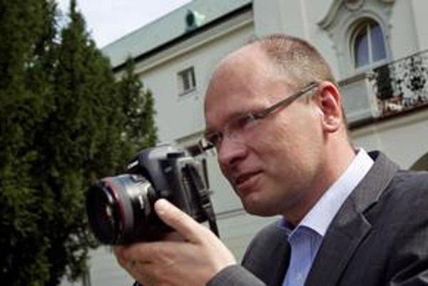 Len Sulíkova strana priznala zoznam.