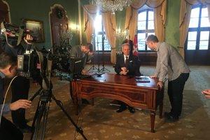 Prezident Andrej Kiska sa pripravuje na nakrúcanie novoročného prejavu.