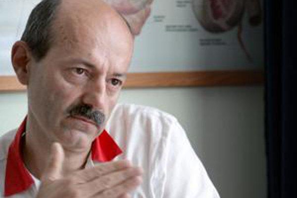 Tibor Sedlák šéfuje odborom v jednej z najväčších nemocníc v Bratislave.