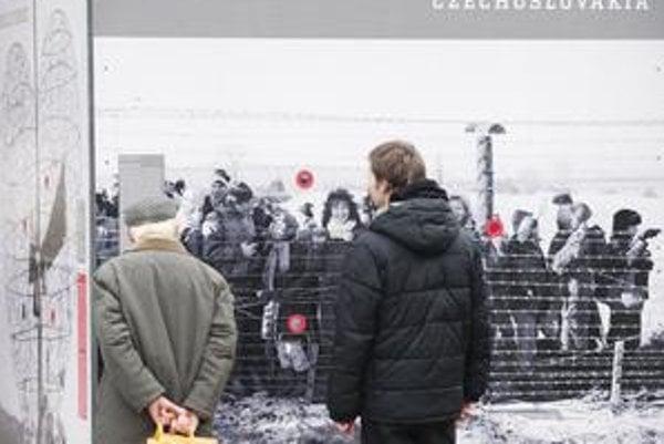 Výstavy o komunizme zatiaľ nemajú stále sídlo.