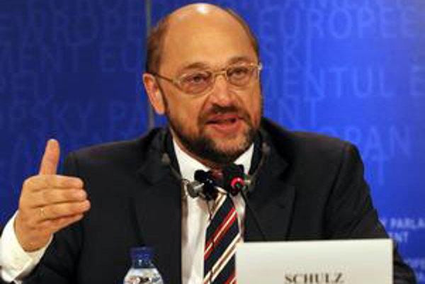 Šéf skupiny sociálnych demokratov v europarlamente Martin Schulz chápe postoj Smeru k eurovalu.