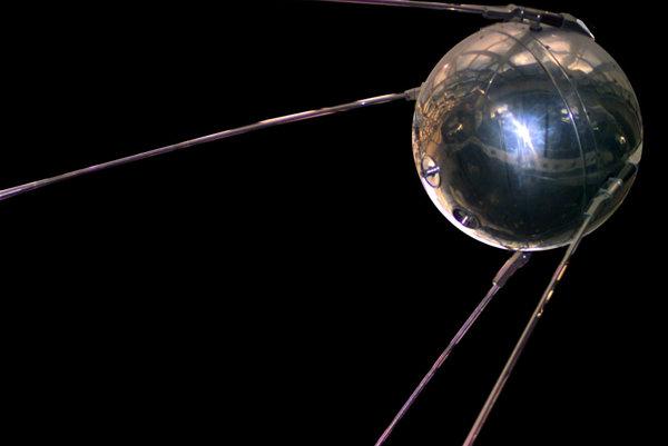 Aj úplne prvý Sputnik tento rok oslavuje okrúhliny.