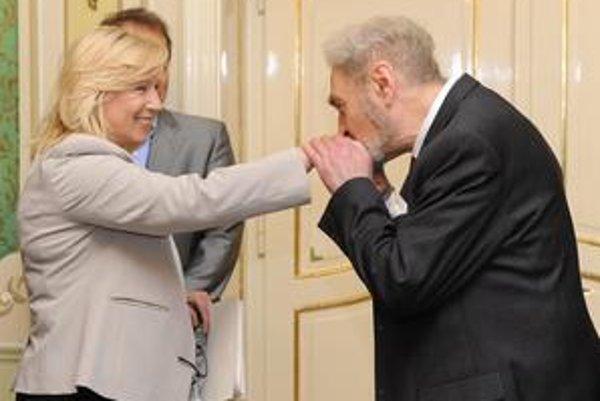 Premiérka Radičová na stretnutí so zástupcami samospráv. Na snímke Marián Minarovič z Únie miest Slovenska.