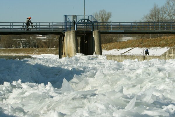 Zimná rieka.