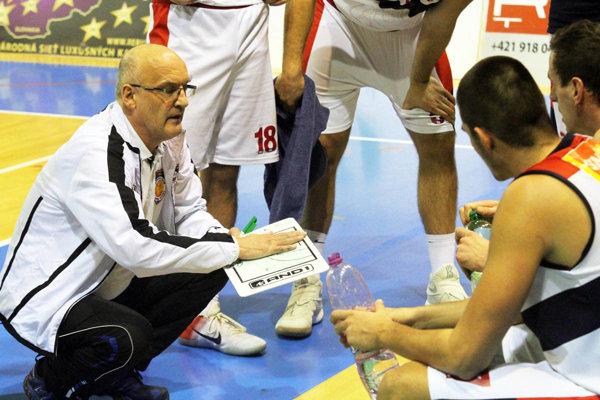 S Karlovkou Nitrania prehrali až po predĺžení. Mužstvo prvýkrát viedol staronový tréner Ľubomír Urban.