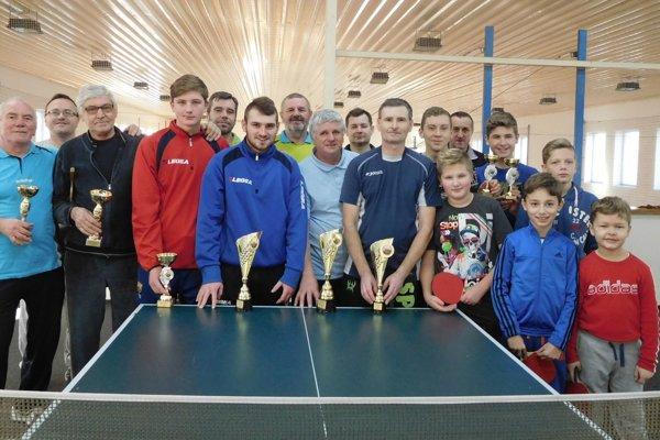 Účastníci turnaja v Urminciach.