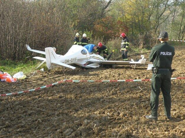 Lietadlo spadlo pri skúšobnom lete koncom októbra neďaleko Koša.