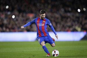 Messi dal ďalší krásny gól z priameho kopu.