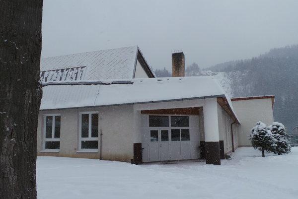 Športovo-spoločenská hala v Podbieli.