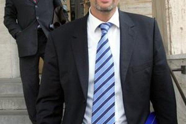 Ivana Lexu v spore s Michalom Kováčom kedysi zastupoval aj Ján Cuper.