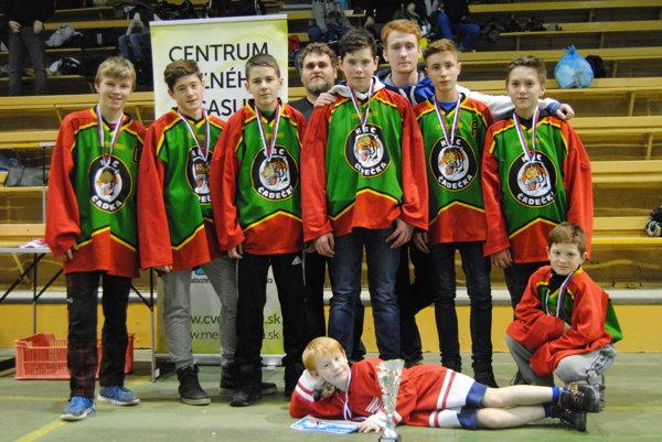 Kategóriu mladších ovládli hokejbalisti HBC Čadečka.