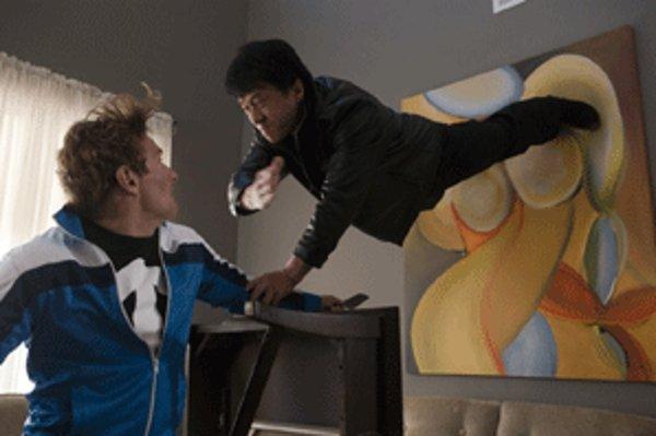 Vo filme Pestúnka v akcii sa predstaví legendárny jackie Chan.