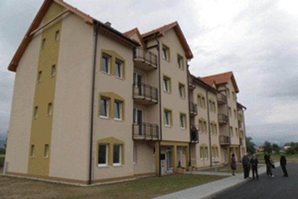 V Opatovciach nad Nitrou sa nová bytovka zaplní novými obyvateľmi počas júna.