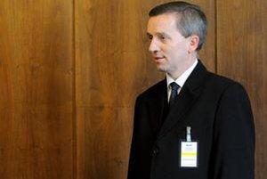 Kandidát na generálneho prokurátora Jozef Čentéš prichádza na zasadnutie Ústavnoprávneho výboru.