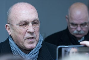 Zľava: Odsúdený kardiológ Viliam Fischer a jeho advokát Peter Vačok.