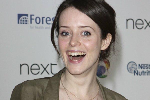 Claire Foy má dôvod na radosť, jej výkon v seriáli The Crown si okrem divákov všimla aj Asociácia zahraničných novinárov v Hollywoode.