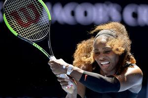 Americká tenistka Serena Williamsová sa prebojovala do osemfinále dvojhry na grandslamovom turnaji Australian Open v Melbourne.