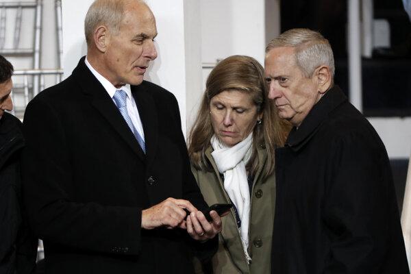 John Kelly (vľavo) a James Mattis (vpravo) na Trumpovej inaugurácii.
