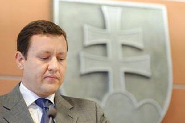 Minister vnútra označil za prioritu odškodnenie ľudí, ktorí bez vlastnej viny došli o majetky.