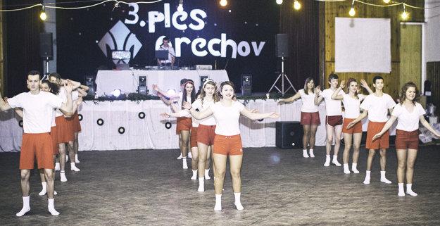 Čo by to bol za retro ples bez spartakiády.