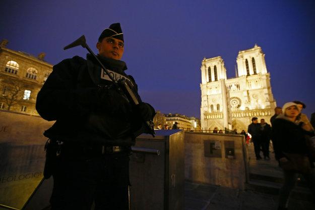 Pokles návštevnosti zaznamenal aj Notre Dame.