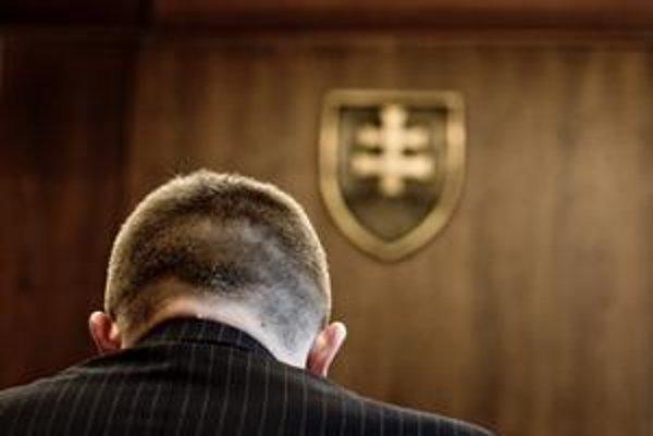 Robert Fico sa pomaly lúči s mocou.