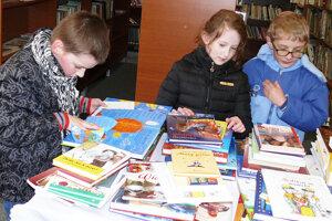 Deti tvoria takmer 80 percent jej čitateľov obecnej knižnice.