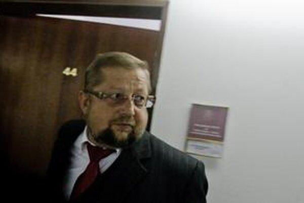 Najvyšší súd zatiaľ nechce sťažnosť štyroch sudcov na Štefana Harabina komentovať.