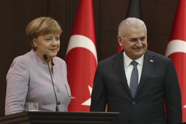 Angela Merkelová s tureckým premiérom.