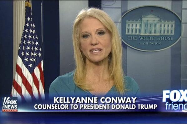 Kellyanne Conwayová počas oficiálneho vstupu propagovala komerčnú značku.